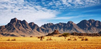 #blueskytravel #reisespezialist #namibia #desertrocks