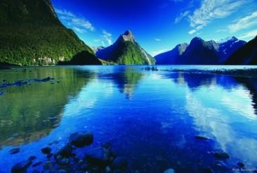 Milford Sound Mitre Peak Neuseeland