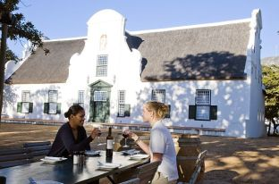 #stellenbosch #winelands #blueskytravel #südafrika