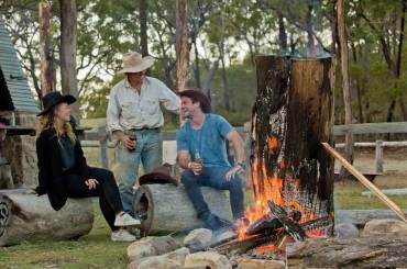 loka-aussie-cattle-station-camp-fire