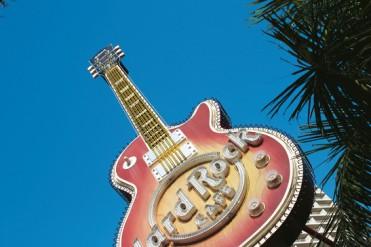 #blueskytravel #reisespezialist #australien #surfersparadise
