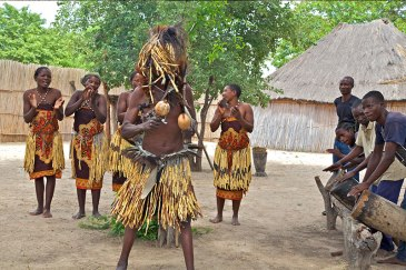 Camp Kwando Dorfbesuch Namibia