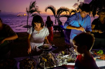 Lovo Dinner am Strand Captain Cook Cruises Fidschi