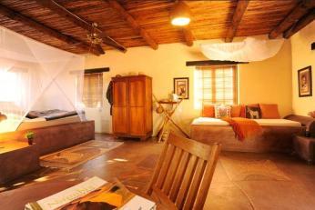 Eningu Clayhouse Lodge Chalet