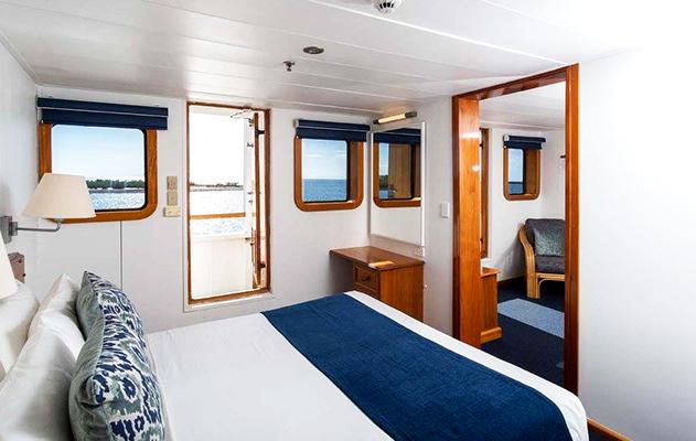 Tabua Suites MV Reef Endeavour Captain Cook Cruises Fidschi Fiji