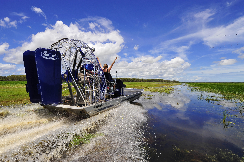 Airboat-Safari-Tourism-Northern-Territory