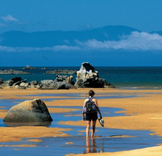 Wanderer im Abel Tasman Nationalpark Südinsel Neuseeland Quadrat
