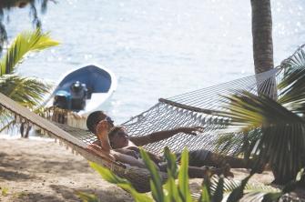 Relaxen am Strand Captain Cook Cruises Fidschi