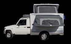 Britz 4WD Orion Toyota Landcruiser Seitenansicht geöffnet Namibia Südafrika